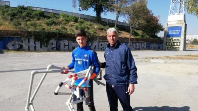 """14-годишен талант тренира с Левски, """"сините"""" излизат срещу Локо (Сф)"""