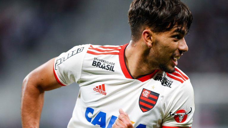 Трансферен удар на Милан - договори бразилски национал