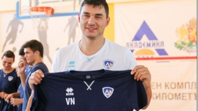 Владо Николов: И Левски е сред фаворитите за титлата