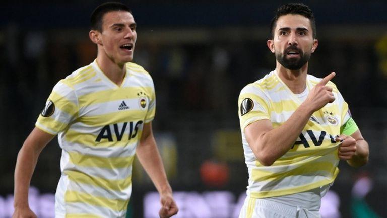 Андерлехт пропиля аванс от два гола срещу Фенербахче (видео)