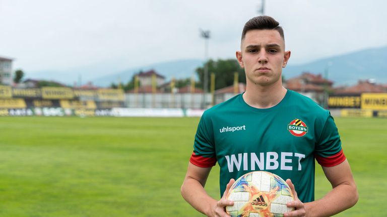 Ботев (Пд) подписа със 17-годишен голмайстор ✍️