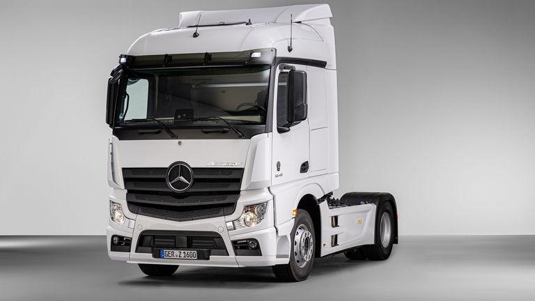 Mercedes-Benz с две премиери на Truck Expo 2021