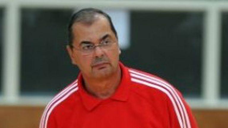 Стелиан Мокулеску пое националния отбор на Румъния