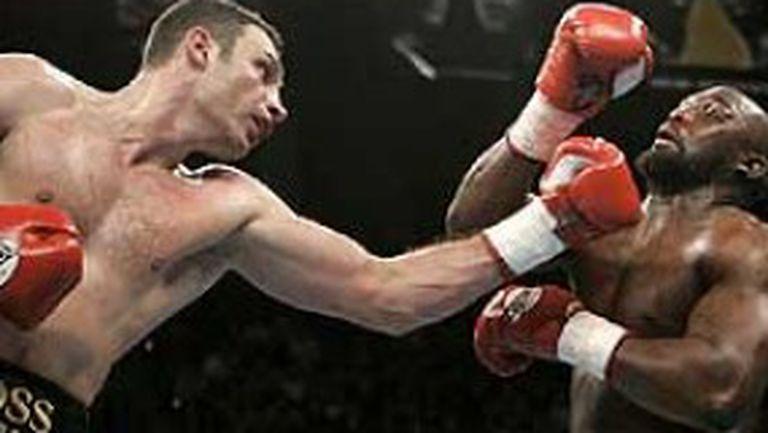 Витали Кличко на ринга в Истанбул