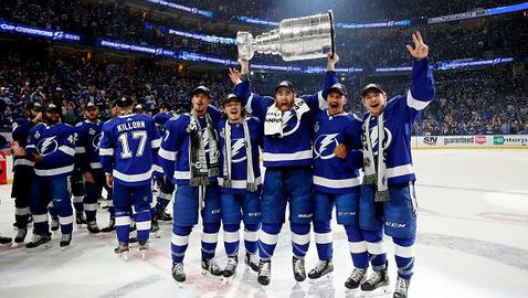 Тампа Бей защити титлата си в НХЛ