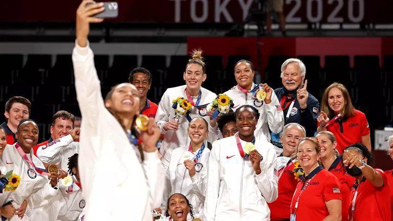 Американките грабнаха златото в баскетбола