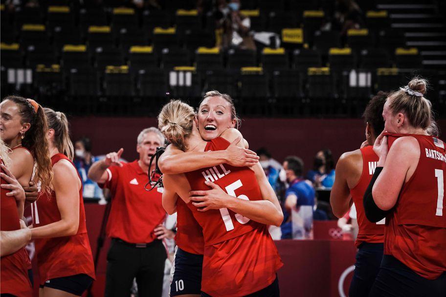 Волейболният финал при жените: Бразилия - САЩ