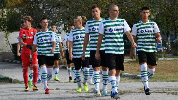 Черно море U19 вкара четири на Нефтохимик U19