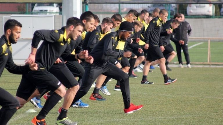 Ботев (Пловдив) започна подготовка с 25 футболисти