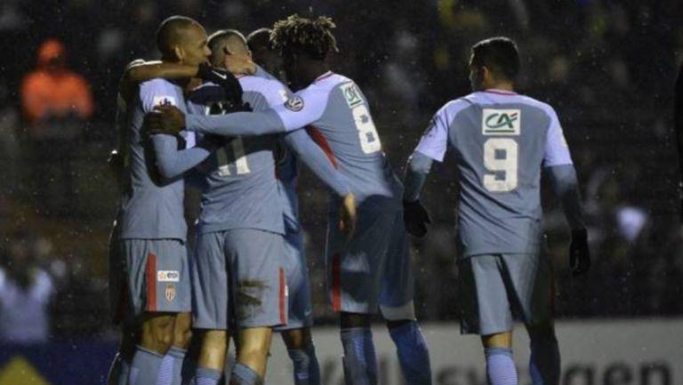 Аматьори вкараха два гола на Монако