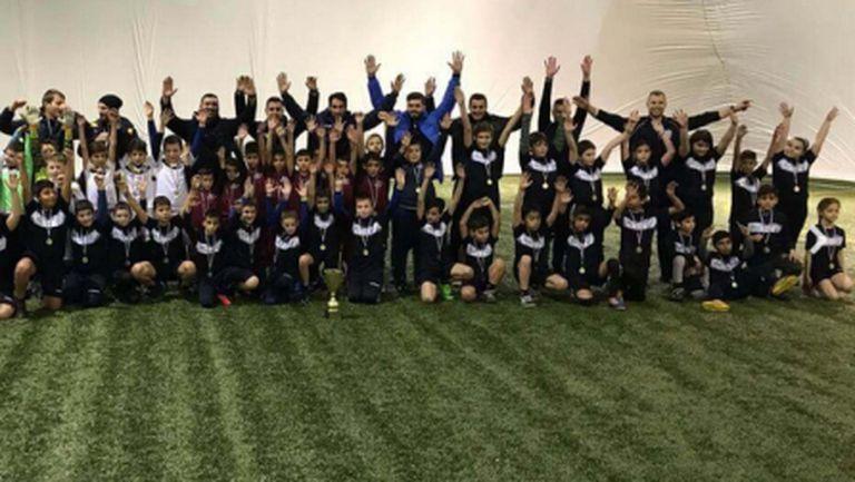 Спортна Академия Ивелин Попов организира и провежда тренировки за деца