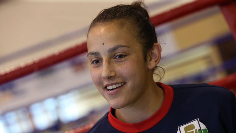 Аслъхан Мехмедова отпадна на осминафиналите на Европейското първенство по бокс по 22 години в Италия