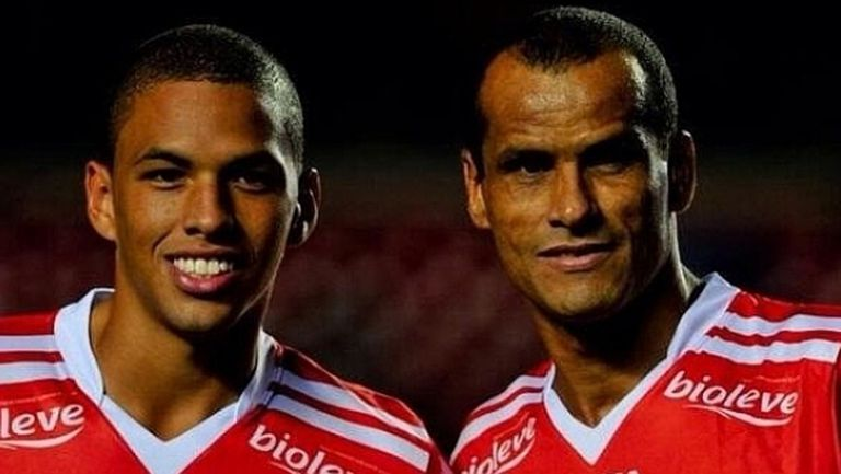Легенда на Бразилия горд с трансфера на сина си в Левски