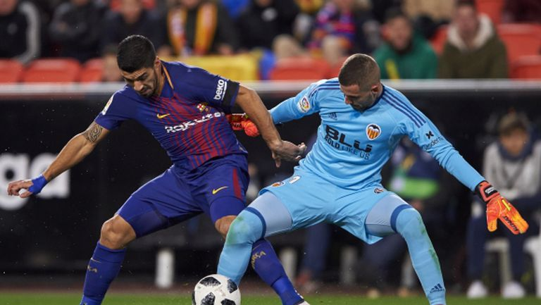 """Луис Суарес може да премине в Челси, ако Луис Енрике поеме """"сините"""""""