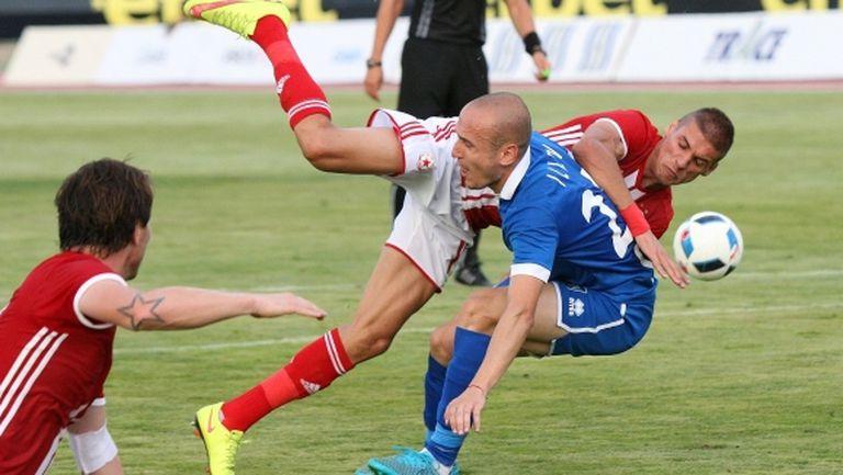 Верея пусна в продажба още 1300 билета за мача с ЦСКА-София