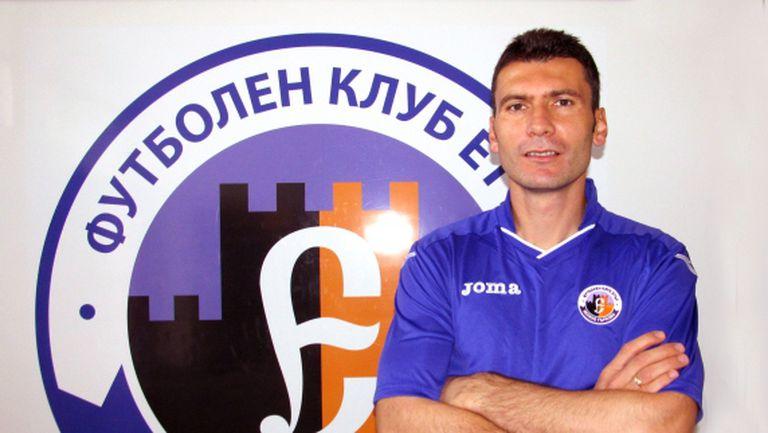 Тодор Колев се отказа от футбола, но остава в Етър