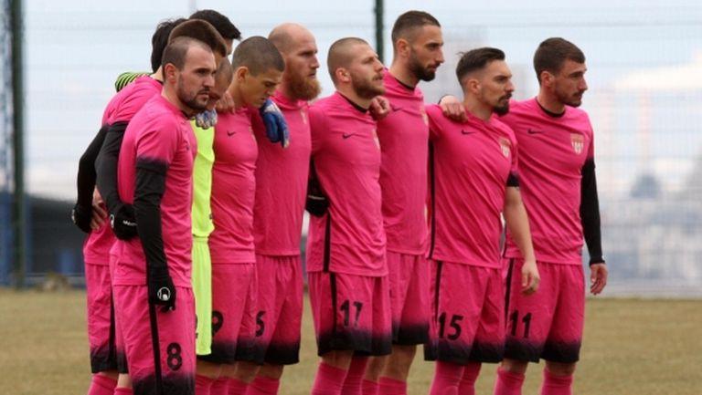 Седми пореден успех за лидера във Втора лига
