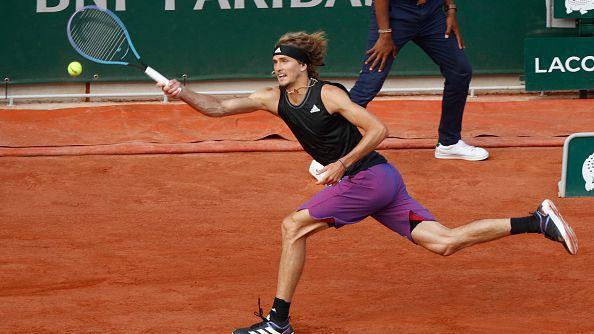 Зверев достигна до първи полуфинал в Париж след силна игра срещу Фокина