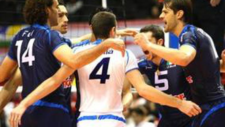 Италия смаза Австралия с 3:0, Златанов №1