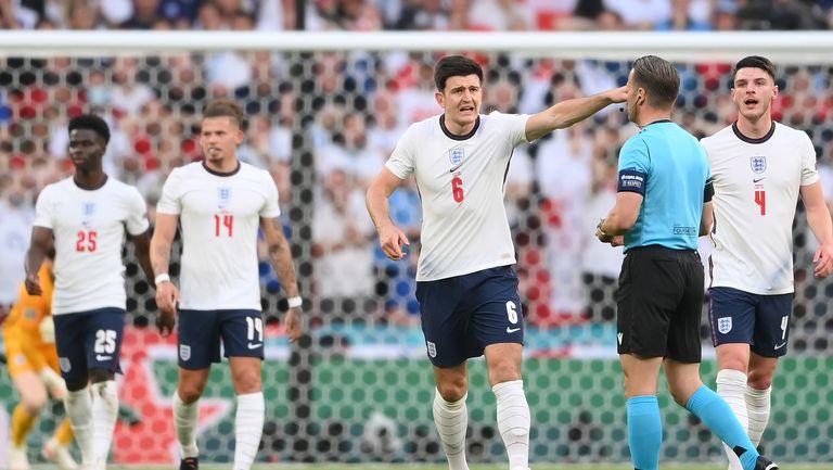 """Страхът ще завладее англичаните на """"Уембли"""", вярва Марко Матераци"""