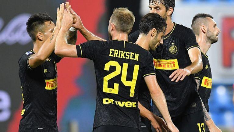 Интер се върна на второто място в Италия, след като разгроми СПАЛ