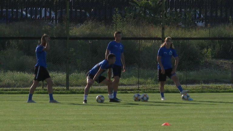 Много юноши попълниха групата на Левски за следобедната тренировка