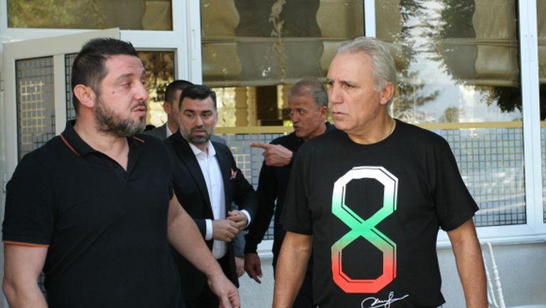 Стоичков: Сетиен не дърпа конците в Барселона