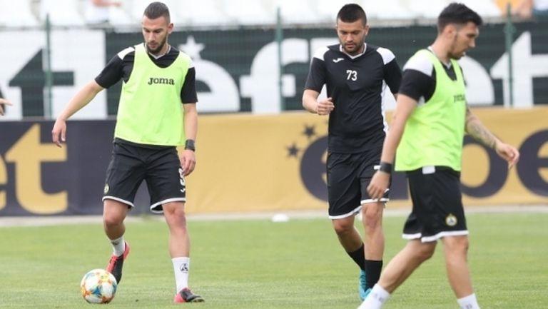 Славия обяви групата за мача с Левски