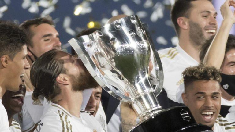 Футболистите на Реал Мадрид празнуваха в тесен кръг