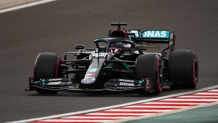 Хамилтън пречупи Ботас и спечели квалификацията за Гран При на Унгария