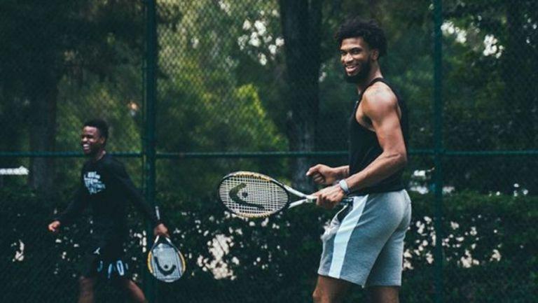 В Сакраменто Кингс оставиха оранжевата топка и хванаха тенис ракетите (снимки)