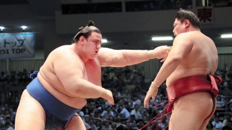 Аоияма стартира със загуба пред публиката в Токио
