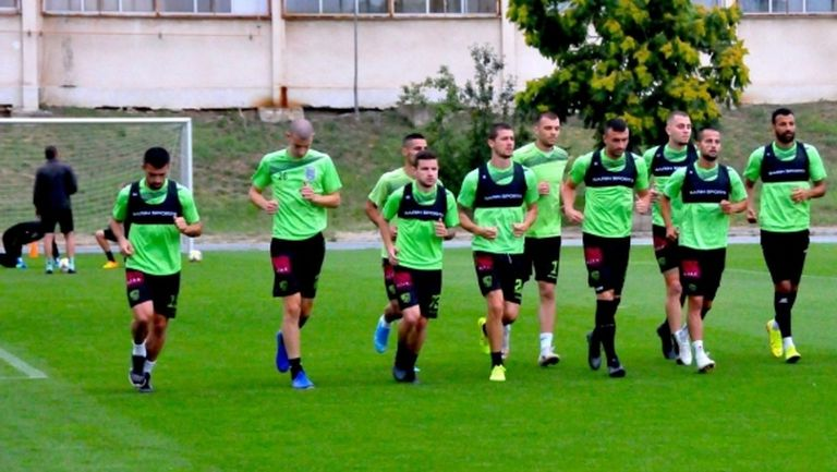 Берое започна подготовка с 14 футболисти