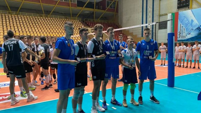 Трима от Левски избрани за номер 1 на финалите