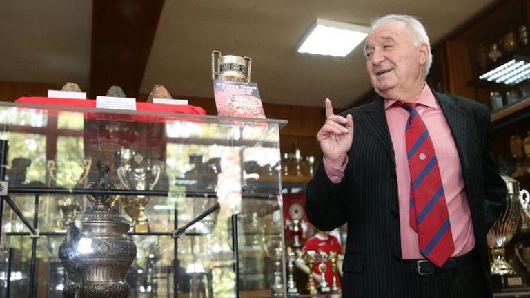 Петър Жеков: Левскарите ме мразеха, затова не станах Футболист на годината