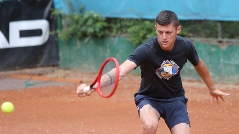 Лазаров стартира със загуба в Белград