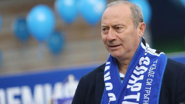 Емил Велев предложи футболисти за Левски