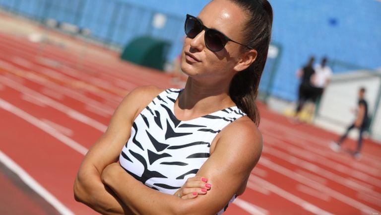Инна Ефтимова пред Sportal.bg: Искам титли на 100 и 200 метра от държавното