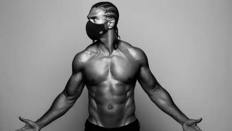 Бившият световен шампион Дейвид Хей излезе със серия предпазни маски