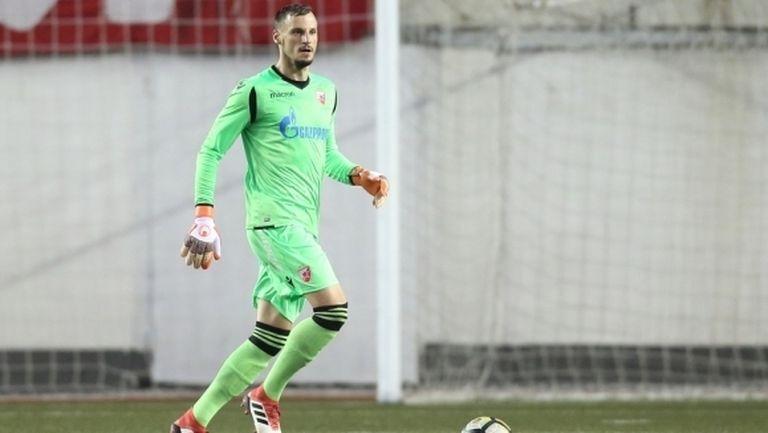 Попович се връща в Цървена звезда след провала на трансфера му в Левски