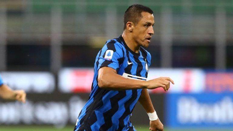 Юнайтед може да пусне Алексис в Интер след Лига Европа