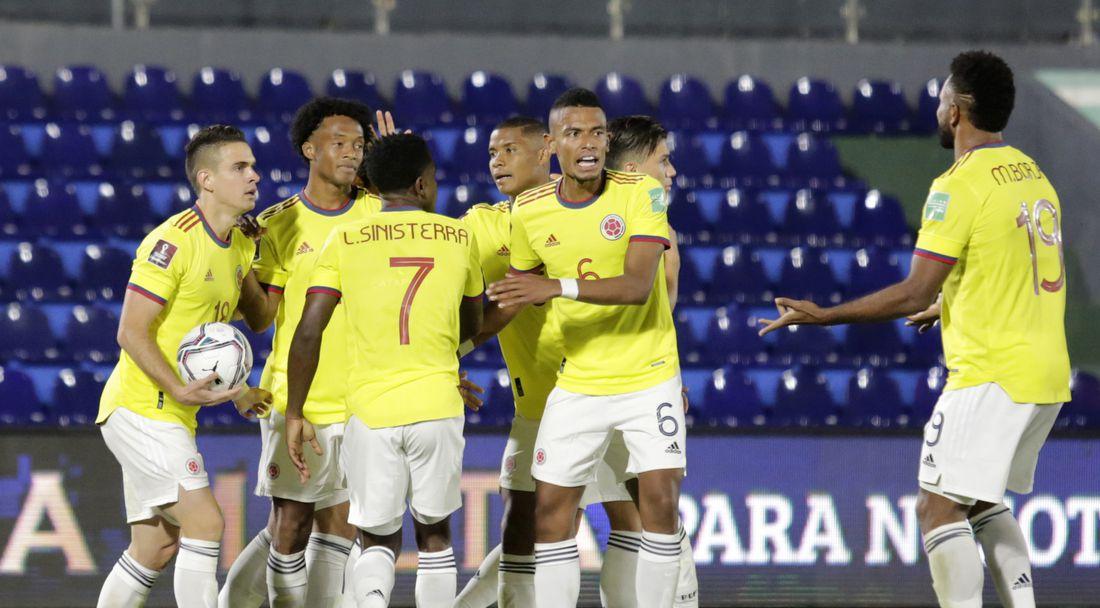 Девет клуба пратиха чартър за един мач от Южна Америка