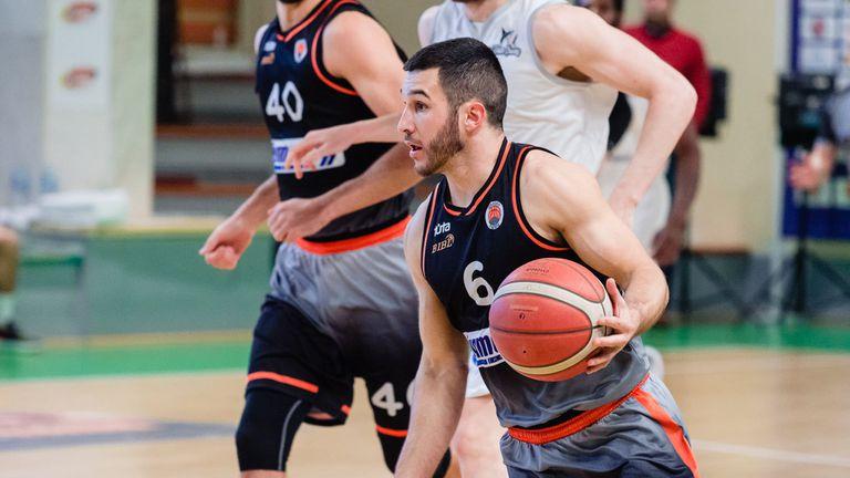 Черноморец и Академик ще излязат със специални тениски в дербито