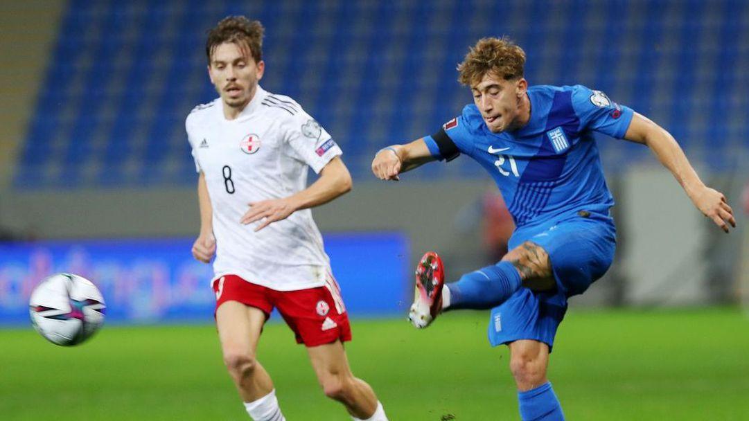 Гърция запази шансове за класиране на световното в Катар след два гола в добавеното време