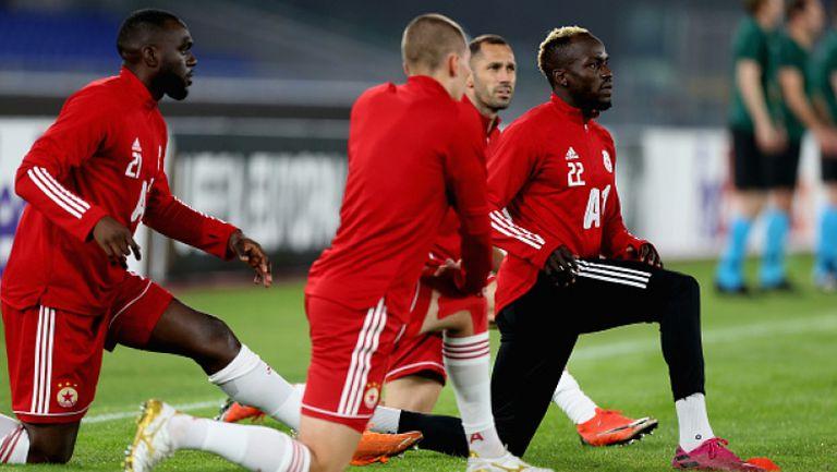 Тимът на ЦСКА-София тренира на стадиона на Йънг Бойс