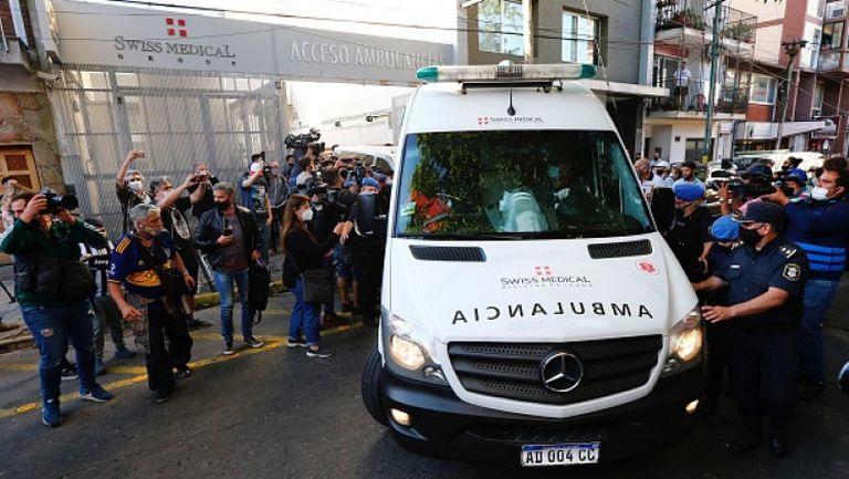 Марадона бе изписан от болницата след едноседмичен престой