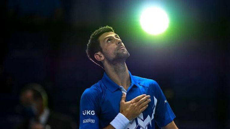 Убедителна победа за Джокович в Лондон
