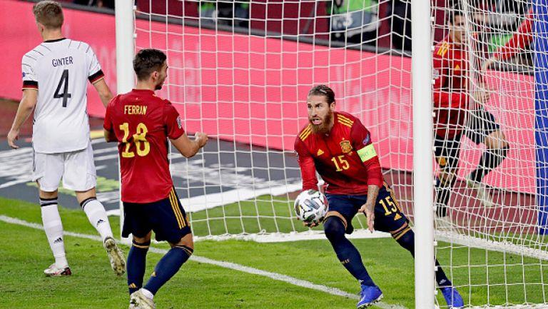 Феран Торес вкара втория гол във вратата на Нойер