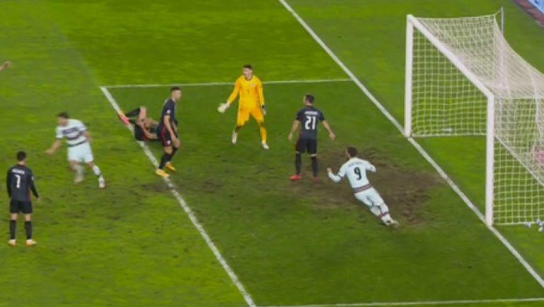 Кошмарна грешка на Ливакович позволи на Рубен Диаш да вкара победен гол за Португалия
