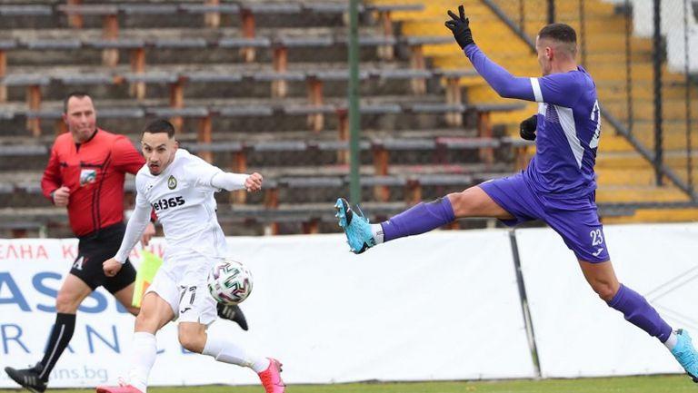 Славия и Етър се бетонираха на дъното с 0:0 в дебюта на Томаш
